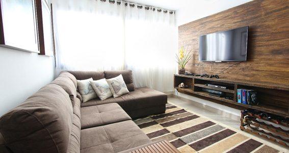 Limpeza de tapete e sofá: dicas para higienização